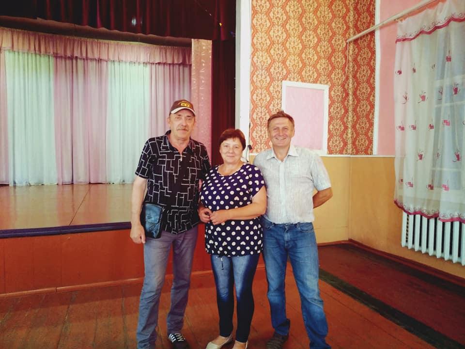 Гра в гурті, на різних святах та авторські пісні: музична історія земляка з Менщини