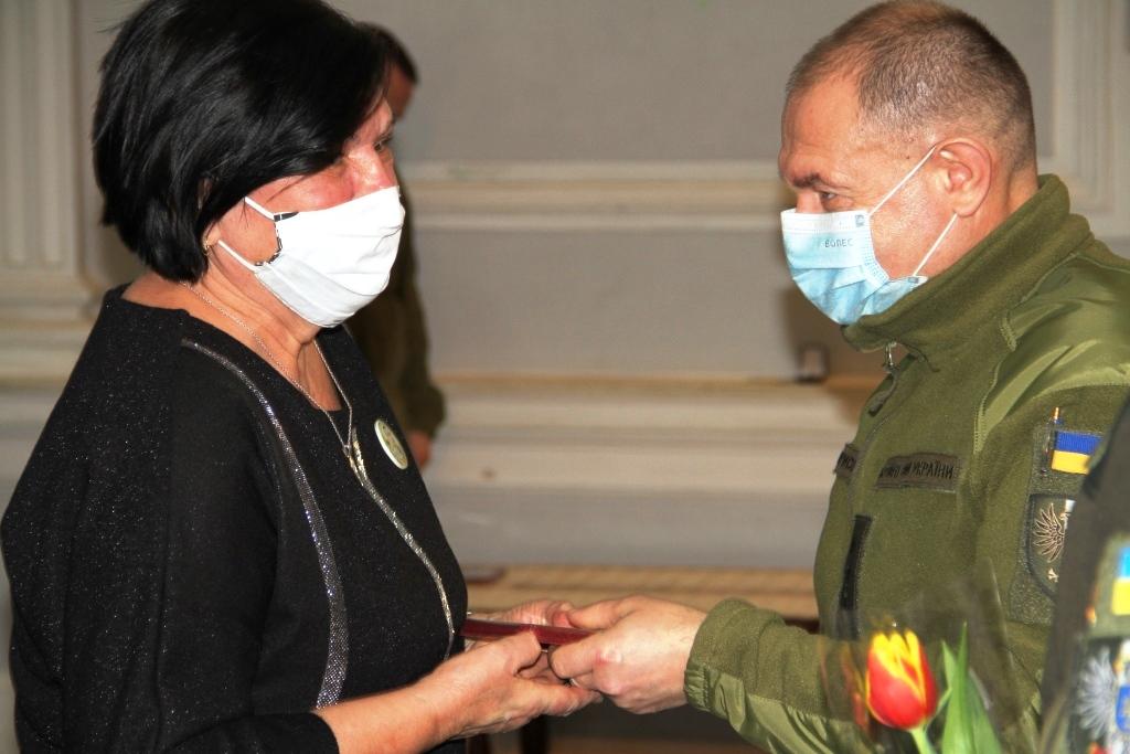 На Чернігівщині привітали жінок-членів родин загиблих воїнів (Фото)
