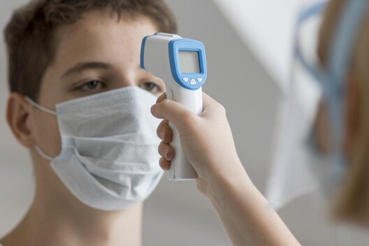 coronavirus-sample-procedure_23-2148709099