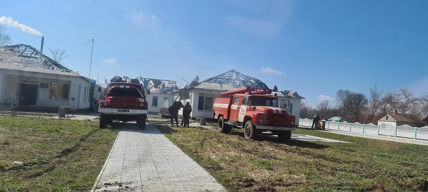 У селі на Чернігівщині згоріла нова амбулаторія (Фото)