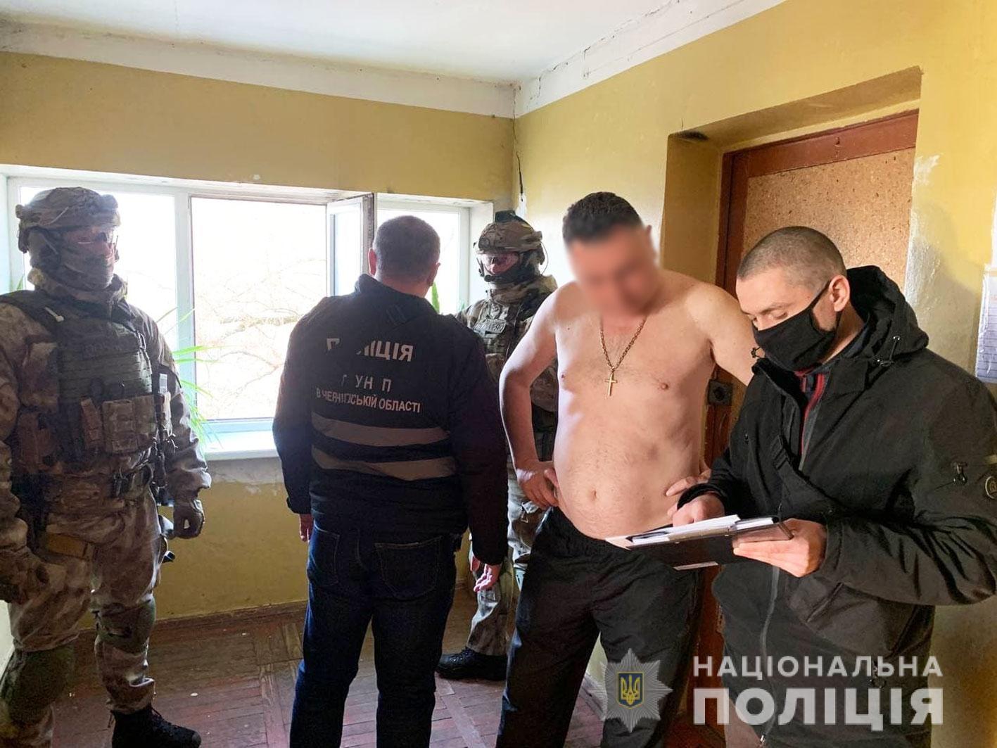 Правоохоронці Чернігівщини повідомили про підозру «авторитету» за спробу дати хабара поліцейському (Фото)