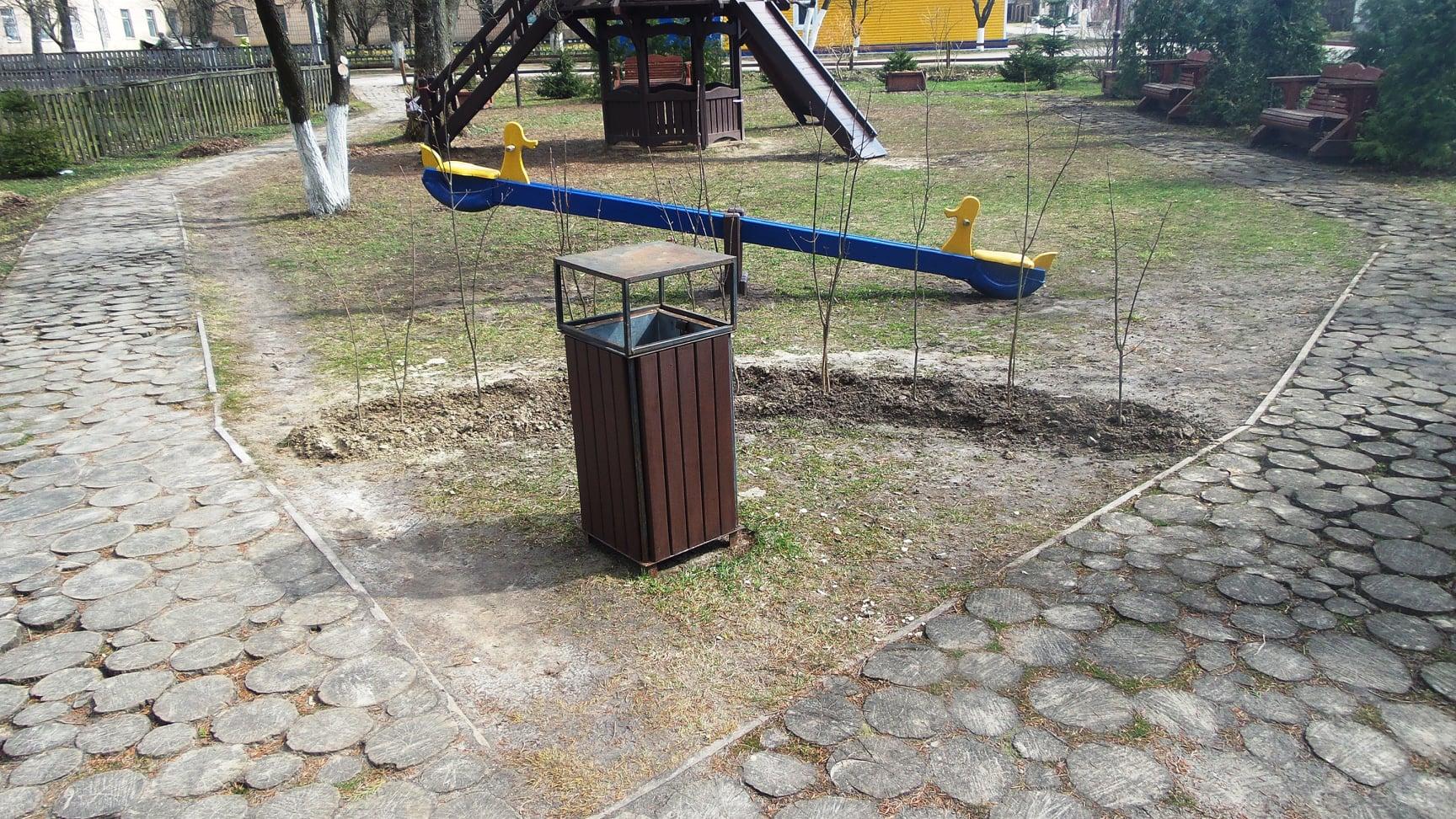 У Сосниці облаштовують дитячий сквер (Фото)