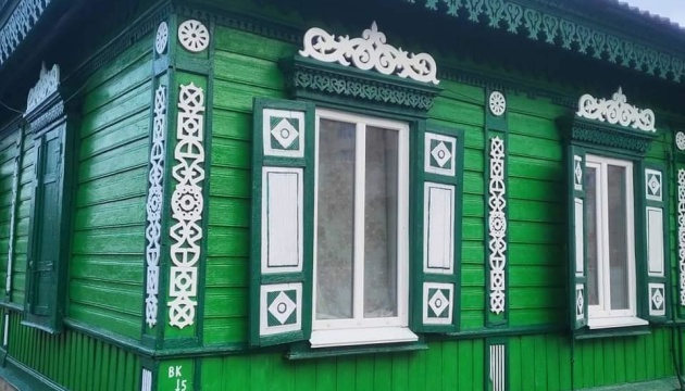 У Чернігові волонтери відновили будинок із «дерев'яним мереживом» (Фото)