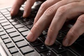 depositphotos_3935781-stock-photo-hands-on-keyboard-of-computer