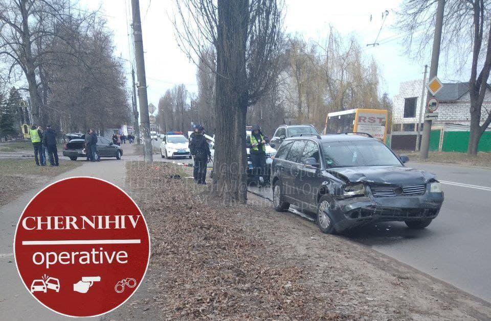 ДТП на проспекті Миру в Чернігові (Фотофакт)