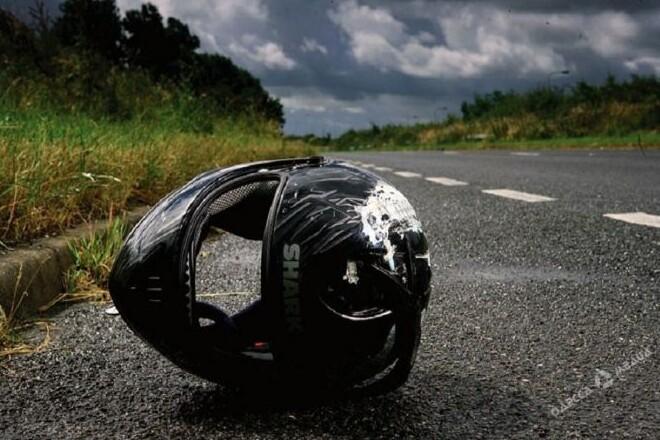 1757108-dtp-na-ovruchchini-20-richniy-mototsiklist-ne-vporavsya-z-keruvannyam
