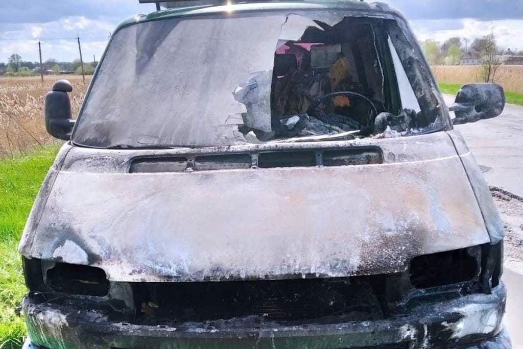 Упродовж минулої доби вогнеборці Чернігівщини ліквідували 14 пожеж: врятовано двох осіб (Фото)