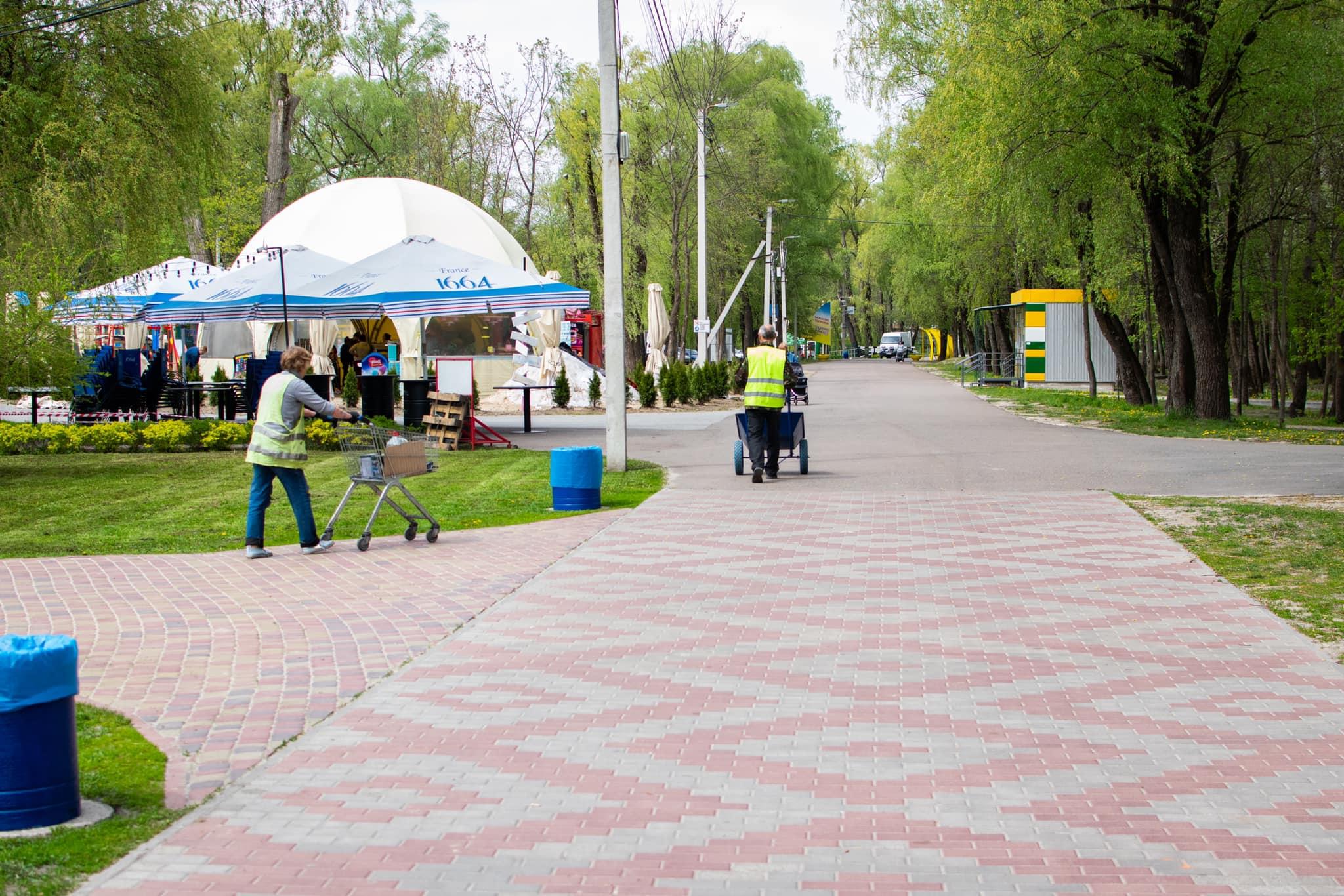 Чернігівський пляж «Золотий берег» готують до відкриття сезону (Фото)
