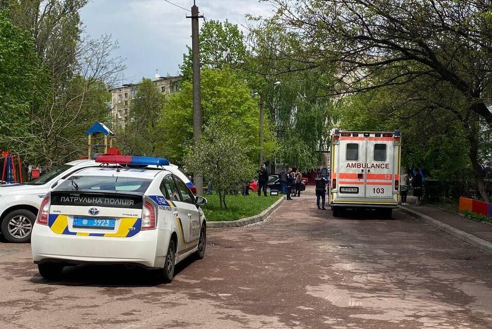 Патрульний застрелив нападника з ножем: стали відомі подробиці сутички на Жабинського в Чернігові (Фото)