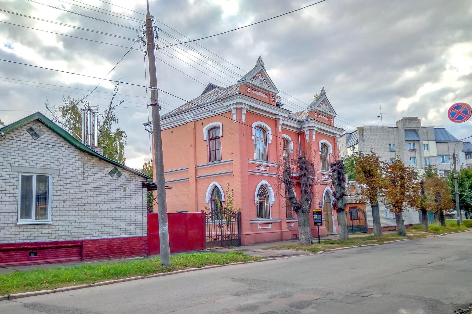 По вулиці Хлібопекарській у Чернігові хочуть висадити нові дерева (Фото)