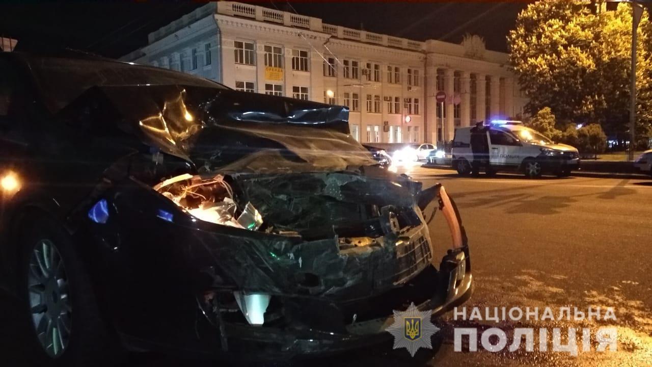 У Чернігові водій спричинив декілька ДТП і намагався втекти (Фото)