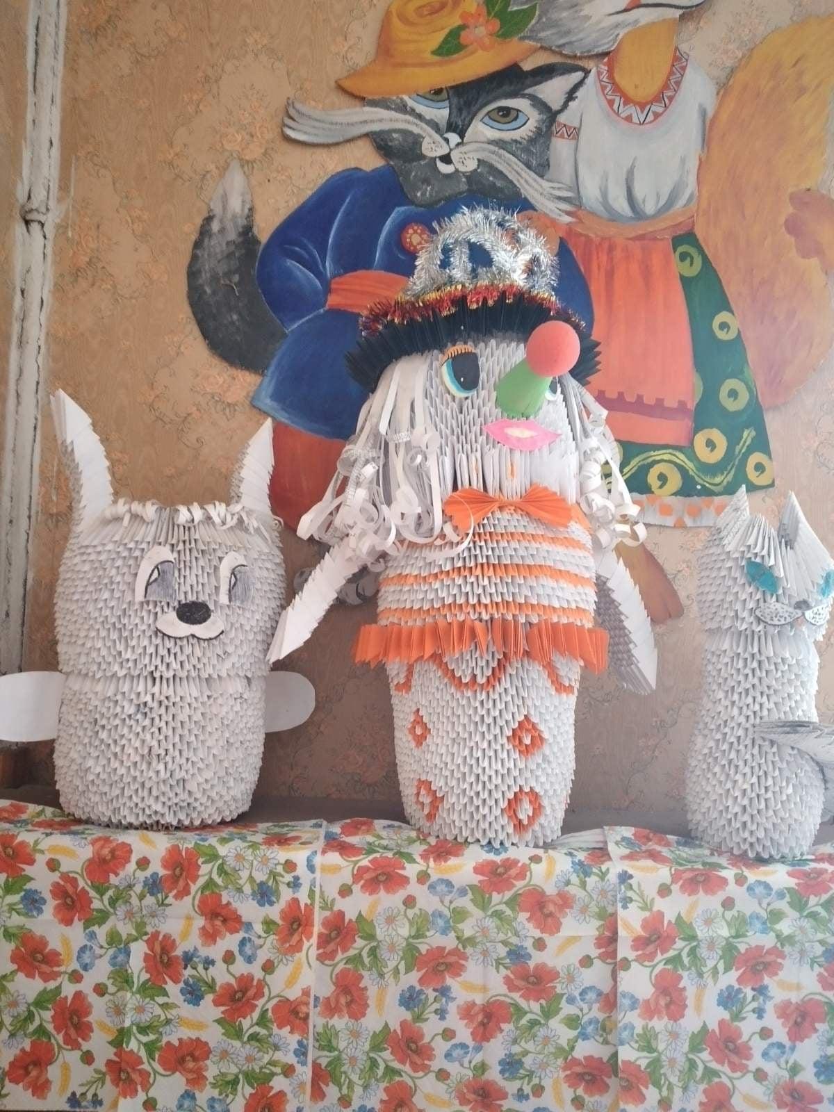 У селі на Чернігівщині жінка створює шедеври оригамі (Фото)