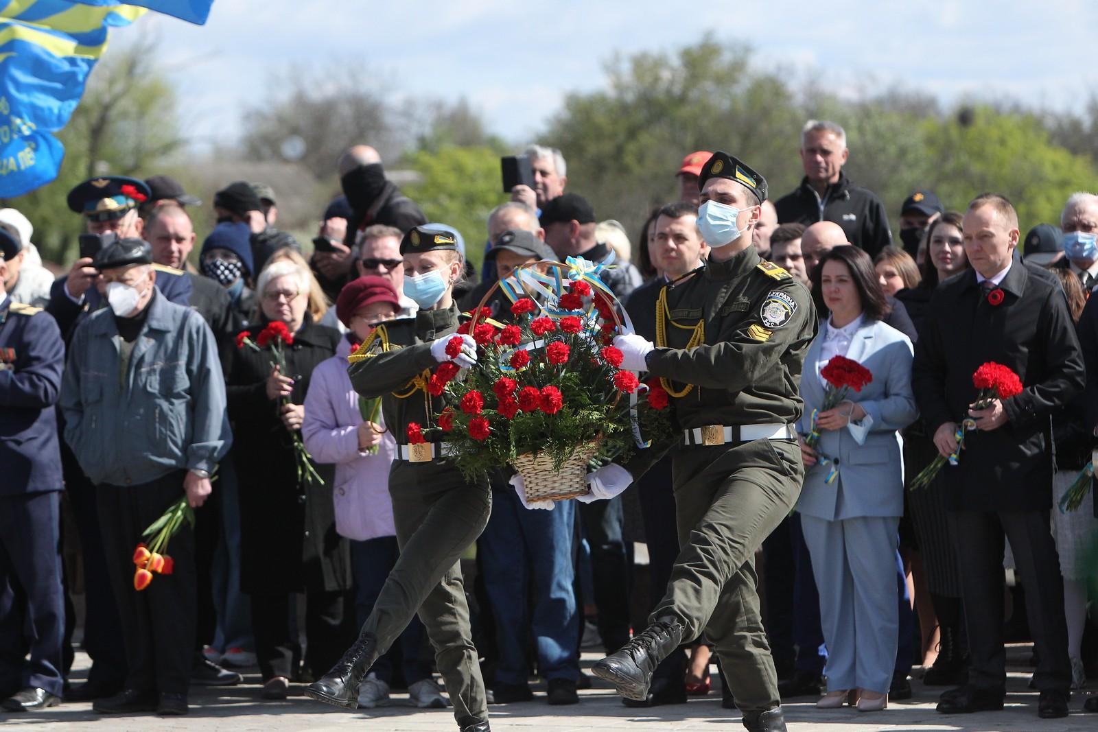 У Чернігові відзначили День Перемоги над нацизмом у Другій Світовій війні (Фото)