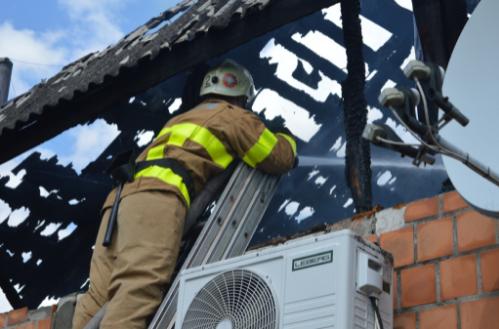 У Чернігівському районі рятувальники ліквідували пожежу кафе (Фото)