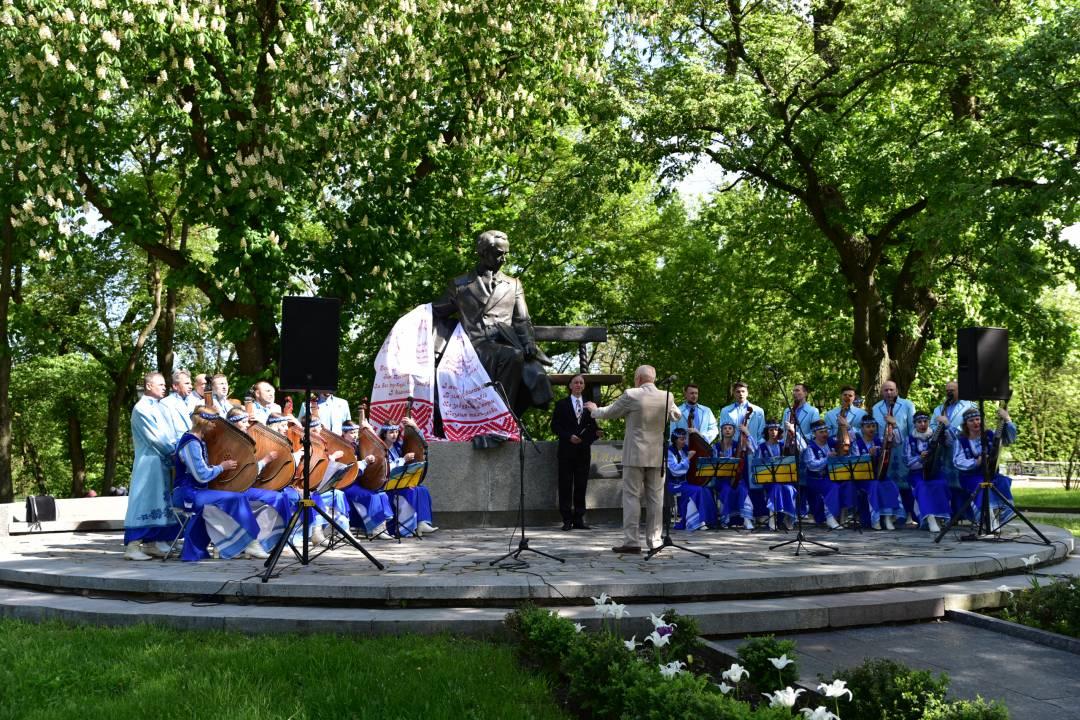 У Чернігові вшанували Великого Кобзаря (Фото)