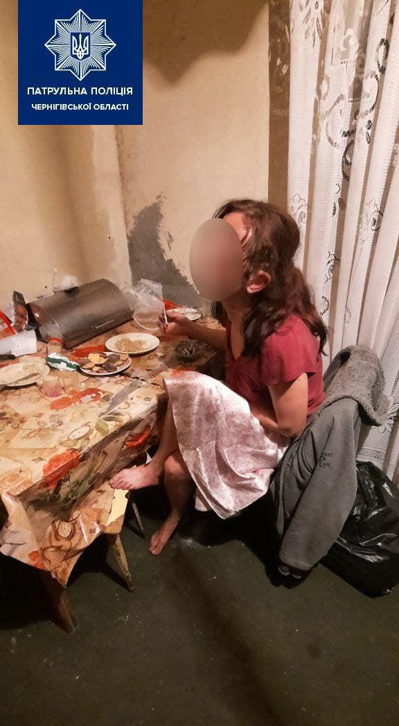 Антисанітарія та алкоголь: у Чернігові виявили недобросовісну матір (Фото)