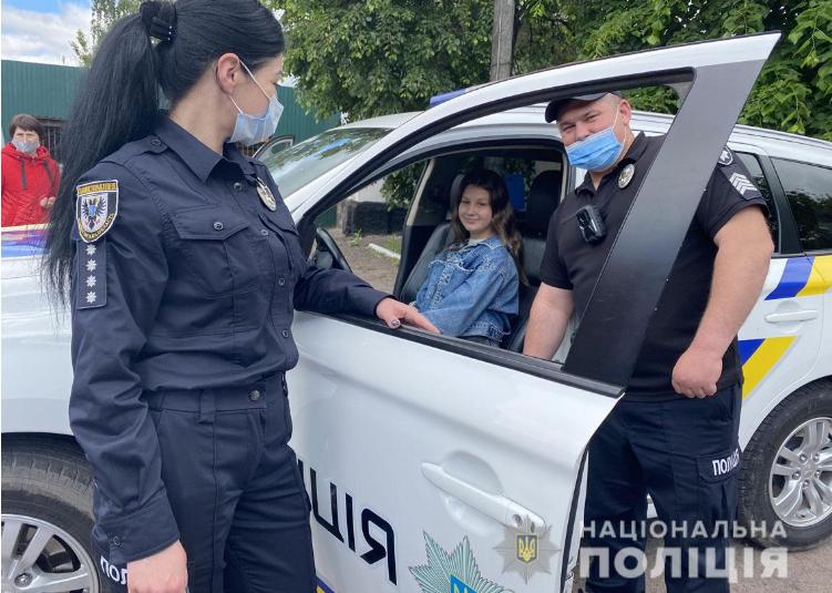Ніжинські поліцейські провели для школярів екскурсію районним відділом поліції (Фото)