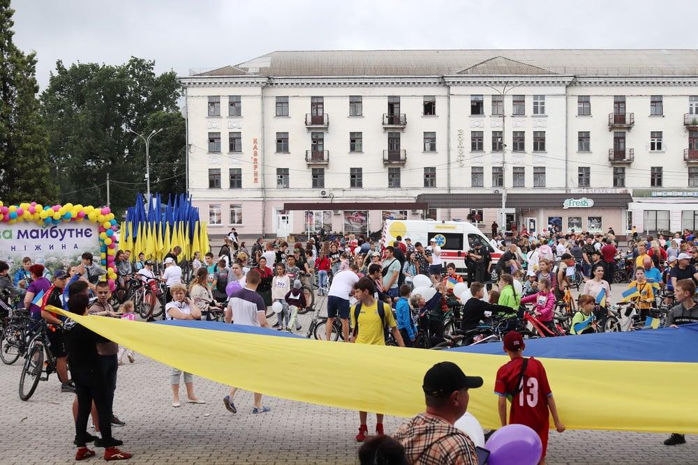 День Конституції та День молоді Ніжин відзначив патріотичним велопробігом (Фото)