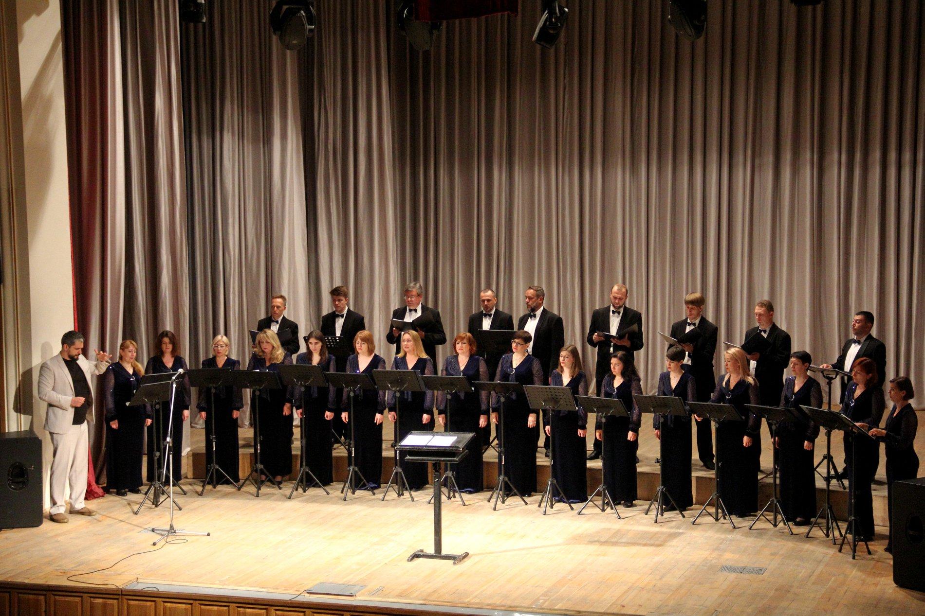 Академічний камерний хор ім.Д.Бортнянського презентував свою програму у «Вокальному абонементі» (Фото)