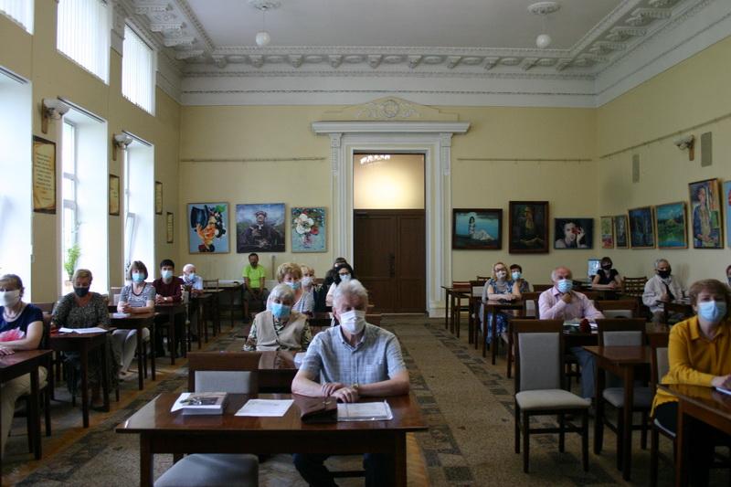 У бібліотеці Короленка відбулася презентація унікальної книги Григорія Самойленка (Фото)