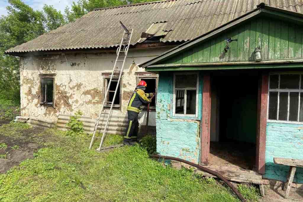 На Чернігівщині у результаті пожежі загинув 64-річний курець (Фото)