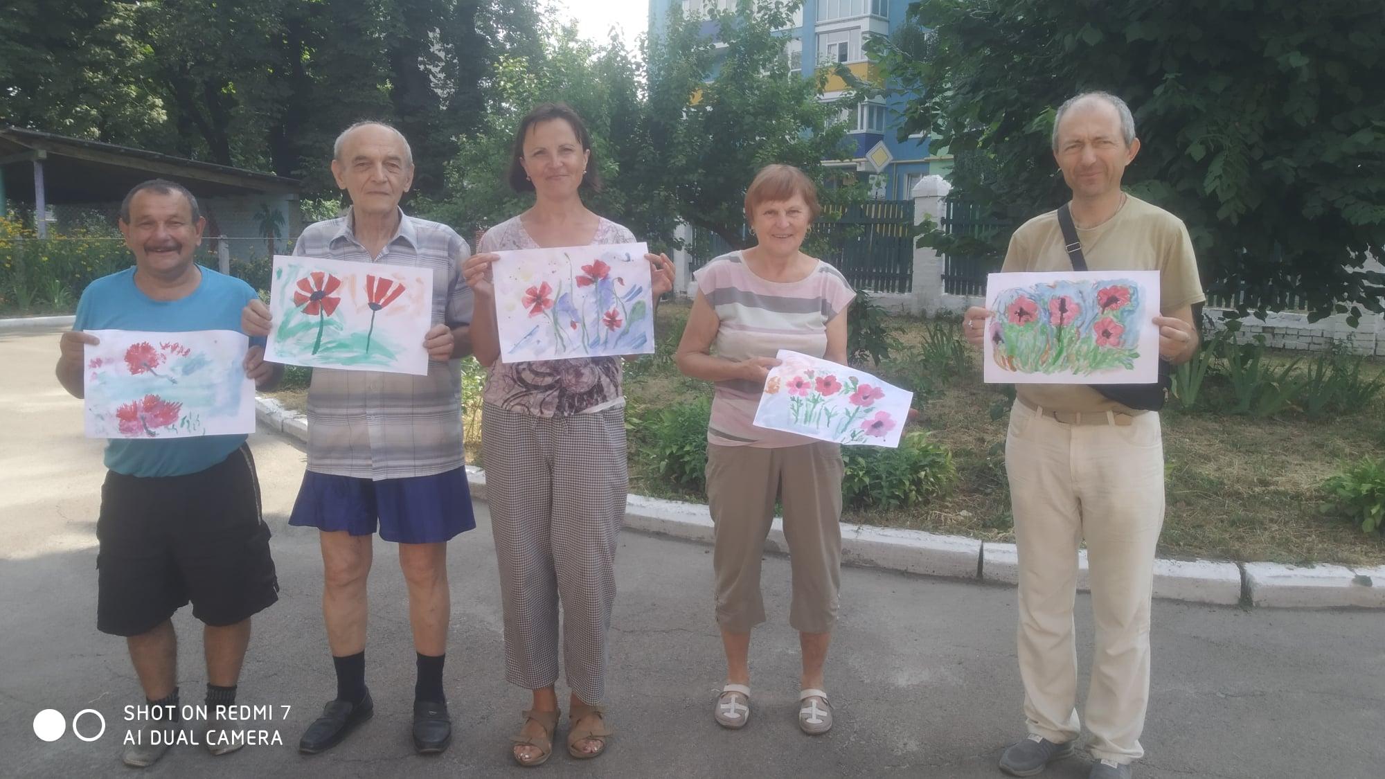У Чернігові пенсіонери створювали талісмани для домівок (Фотофакт)