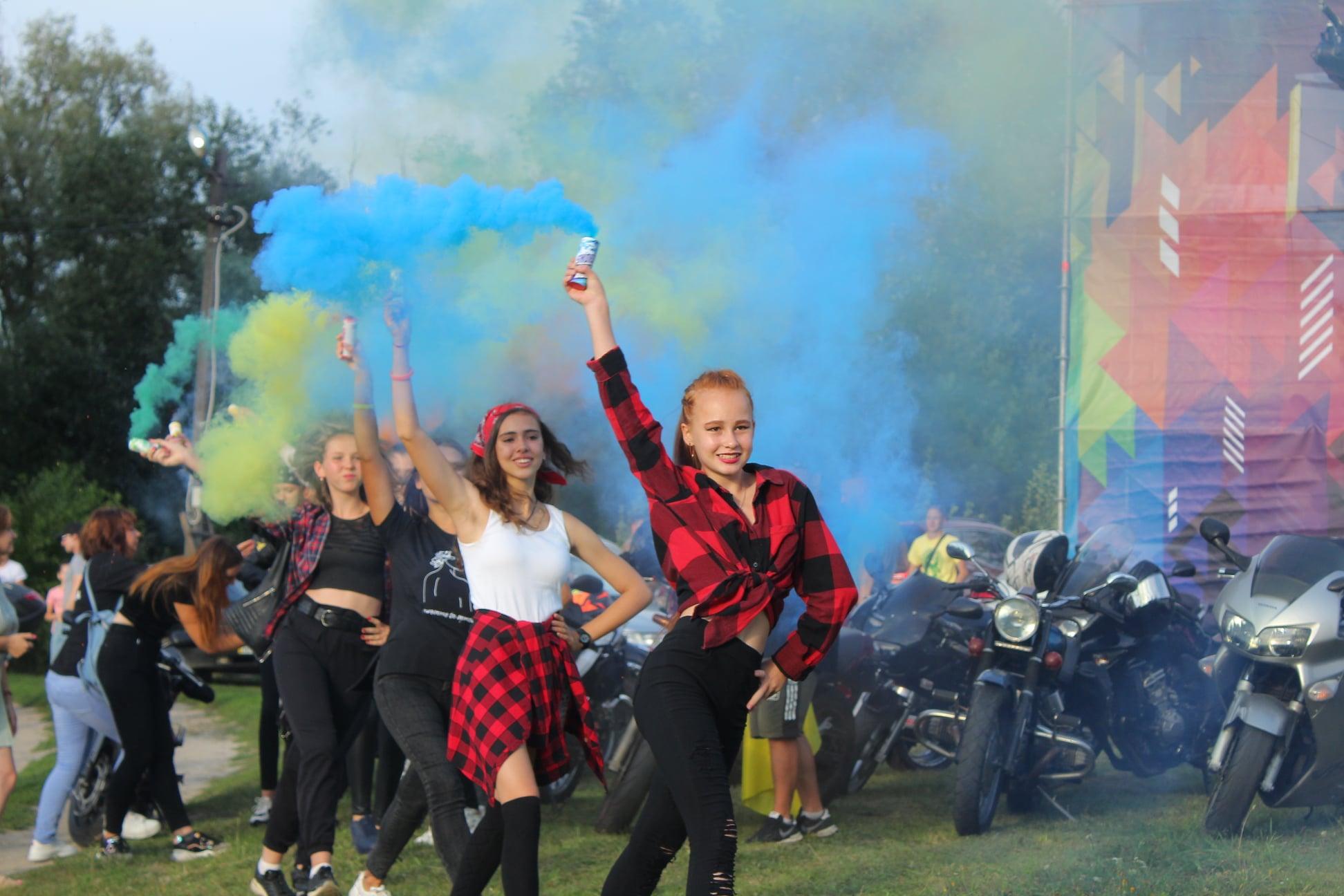 Мена урочисто відсвяткувала свій день народження та музичний фестиваль світла та розвитку LuMena (Фото)