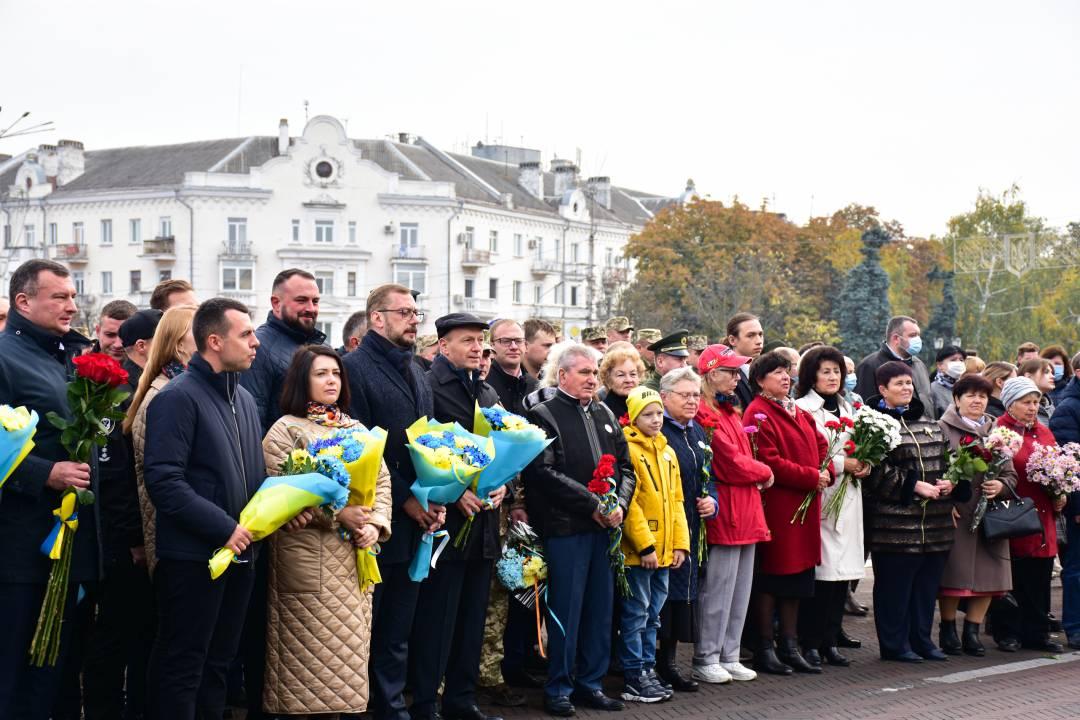 У Чернігові вручили відзнаки родинам загиблих воїнів АТО/ООС (Фото)